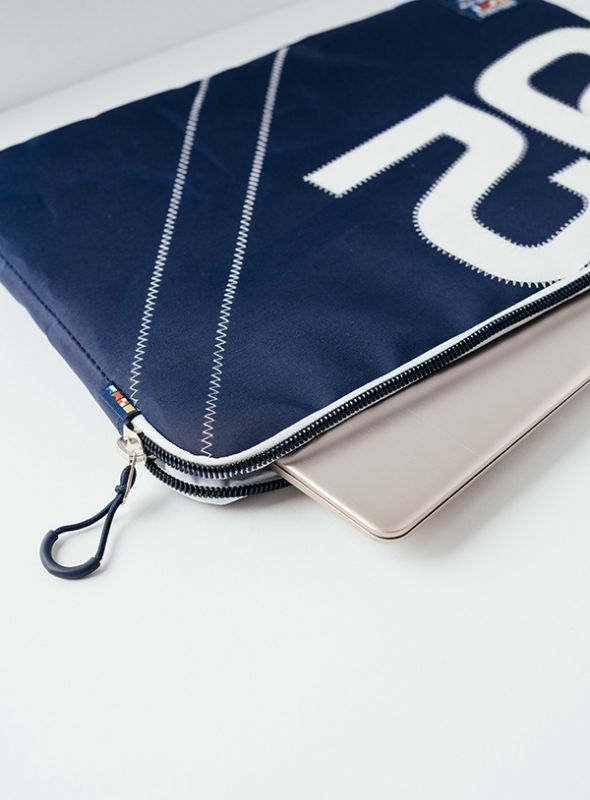 Flight Laptop Case