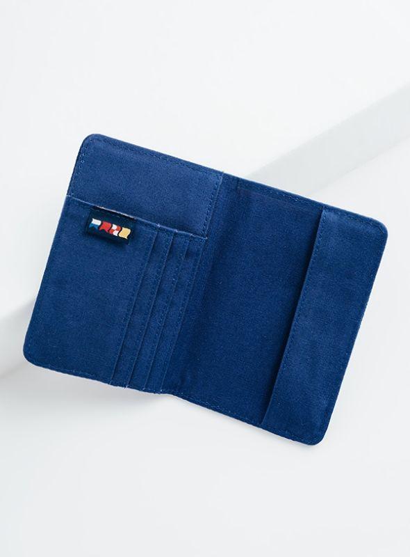 X916 X-Series Passport Holder